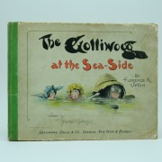 The-Golliwogg-at-the-seaside-florence-upton-first-edition-first impression-1989