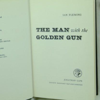 The-Golden-Gun-Ian-Fleming-1965-155 (2)