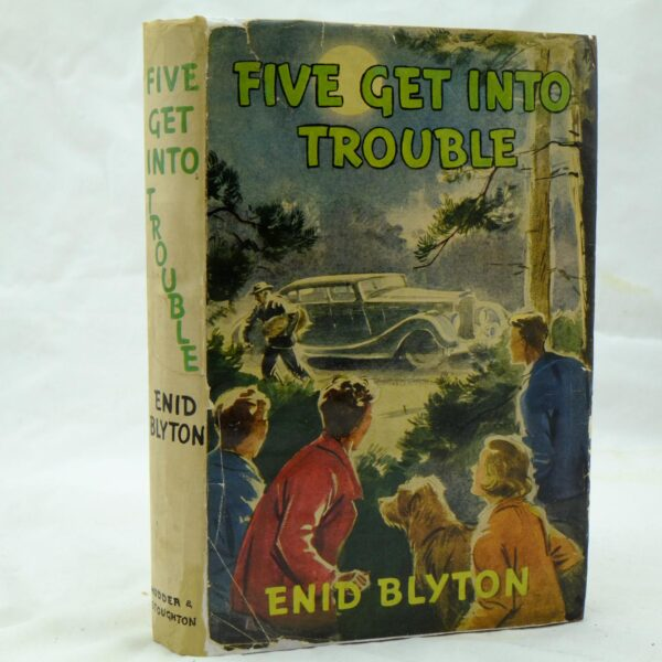 Five Get Into Trouble by Enid Blyton (10)